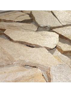 Пясъчнозлатист дребен гнайс